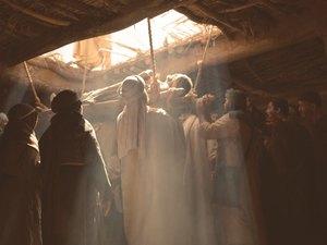 008-lumo-jesus-paralysed-man